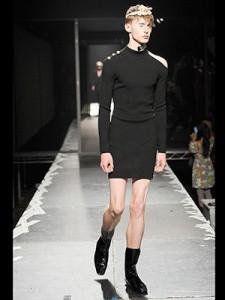 versace_man_skirts_2
